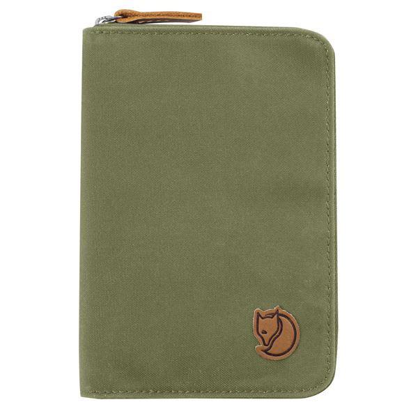 kelionine pinigine fjallraven passport wallet green